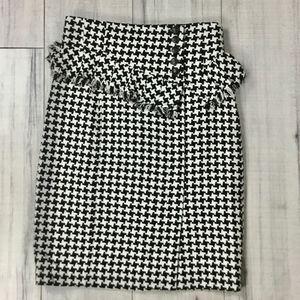 Nanette Lapore SZ 2 Black and white skirt